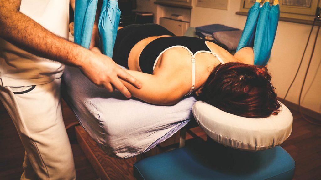 Il gomito, dopo la spalla, è l'articolazione che più frequentemente va incontro a lussazione. Come trattarla.